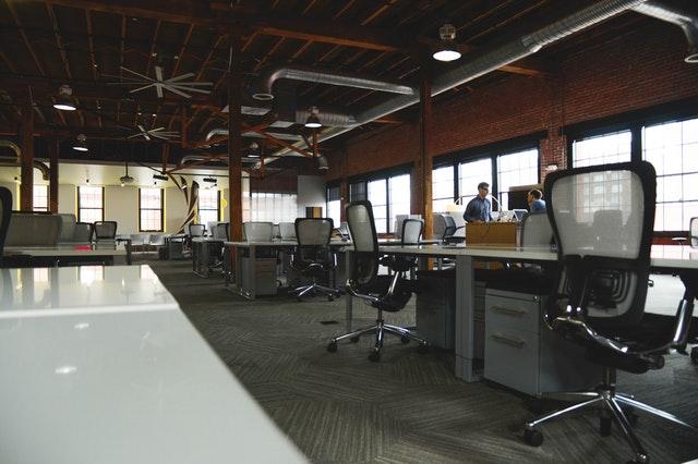 Physical vs. Virtual Office